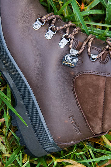 brasher have worked with Portuguese tanners on the leather for the new Hillmaster