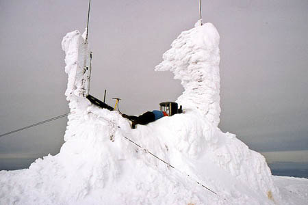 The weather station on Cairn Gorm, where a gust of 165mph was recorded. Photo: Jim Barton CC-BY-SA-2.0