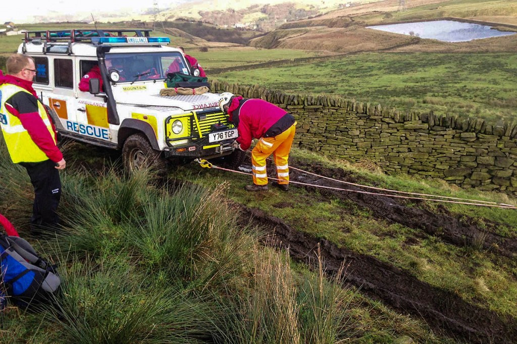The damaged vehicle had to be winched by another team off-roader after losing its four-wheel drive. Photo: CVSRT