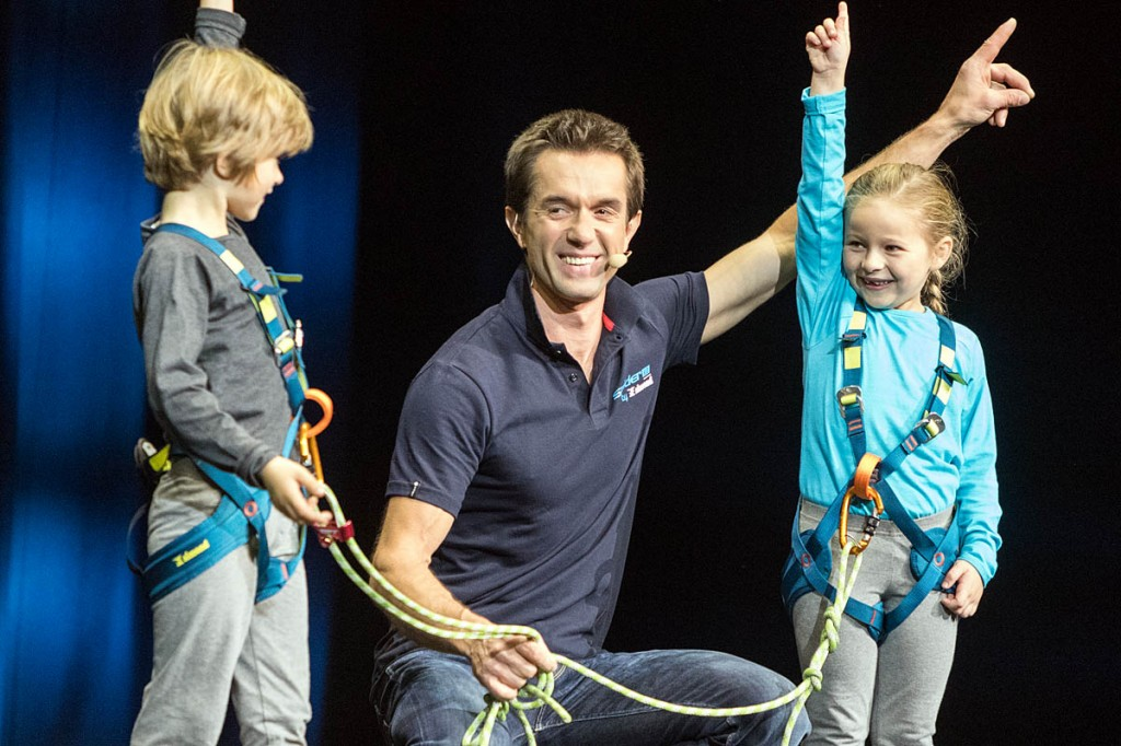 Two cute children demonstrate the Simond harnesses