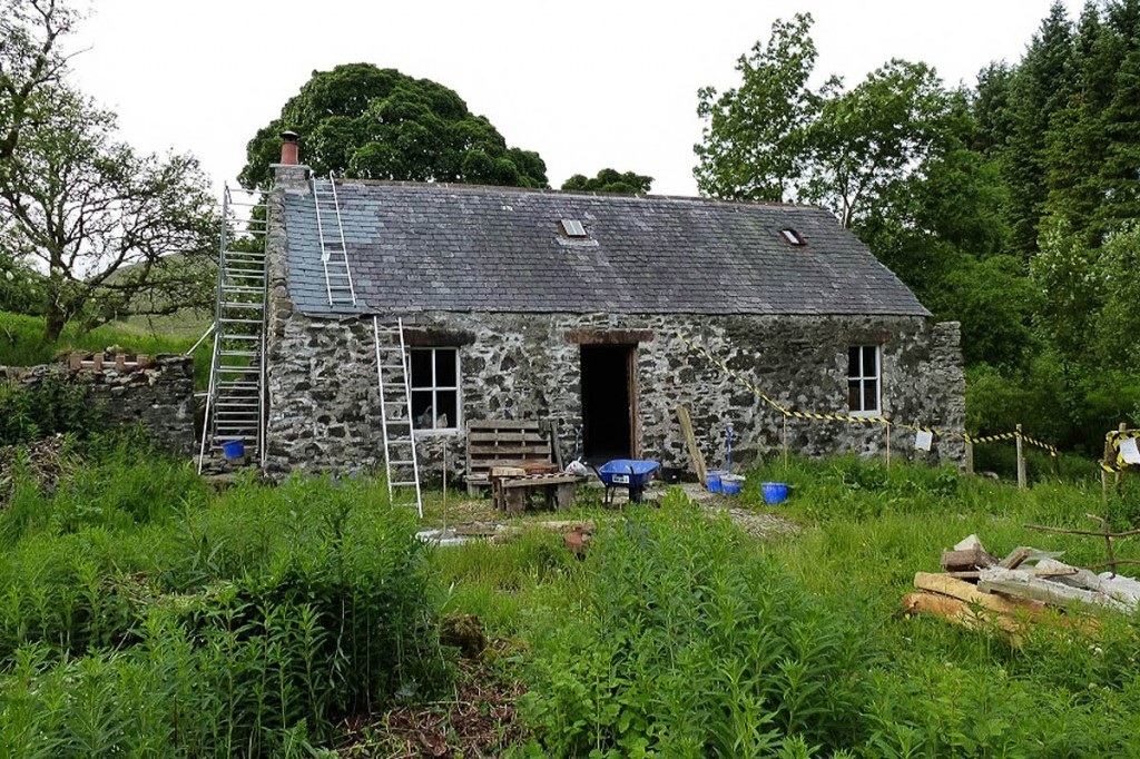 The MBA's volunteers carry out regular maintenance on bothies in its care