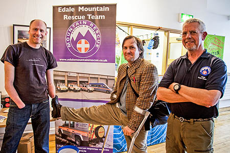 Johnny Dawes, centre, meets Edale MRT members Jamie Andrew, left, and Dave Torr. Photo: Edale MRT