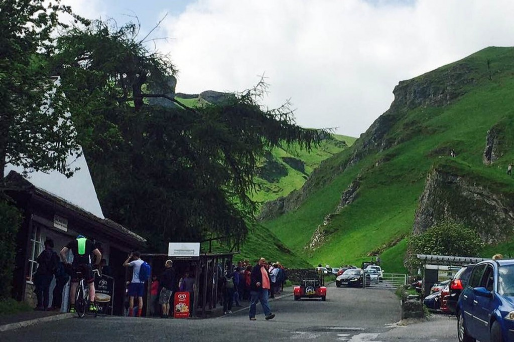 The couple were stuck in the Winnats Pass. Photo: Edale MRT