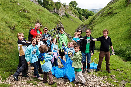 Participants in the Peak District Envirotrek clean-up. Photo: Stephen Elliott