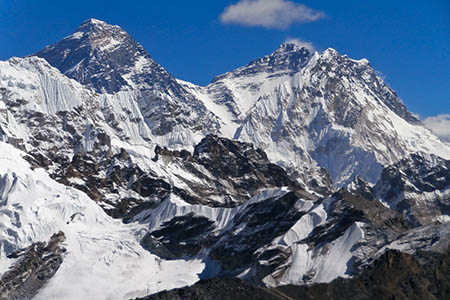 Everest, left, Lhotse and Nuptse, right. Photo: seb bsm CC-BY-2.0