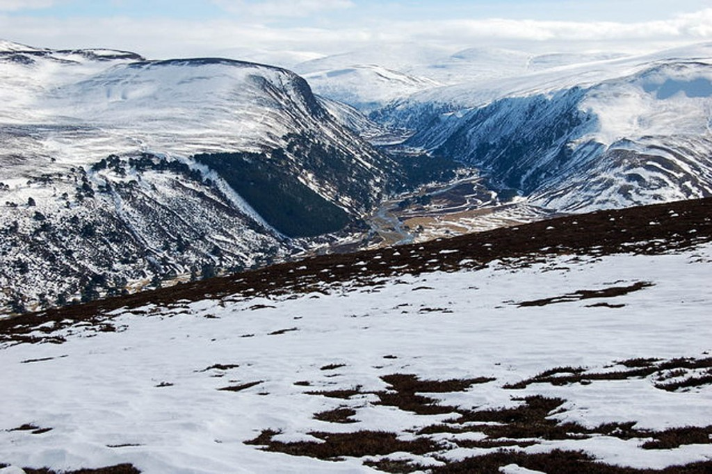 Glen Feshie, with the remote area of the search beyond. Photo: Jim Barton CC-BY-SA-2.0