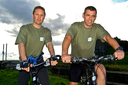 Kevin Beck, left, and Stuart Welsh prepare to set off on their challenge. Photo: John Muir Trust