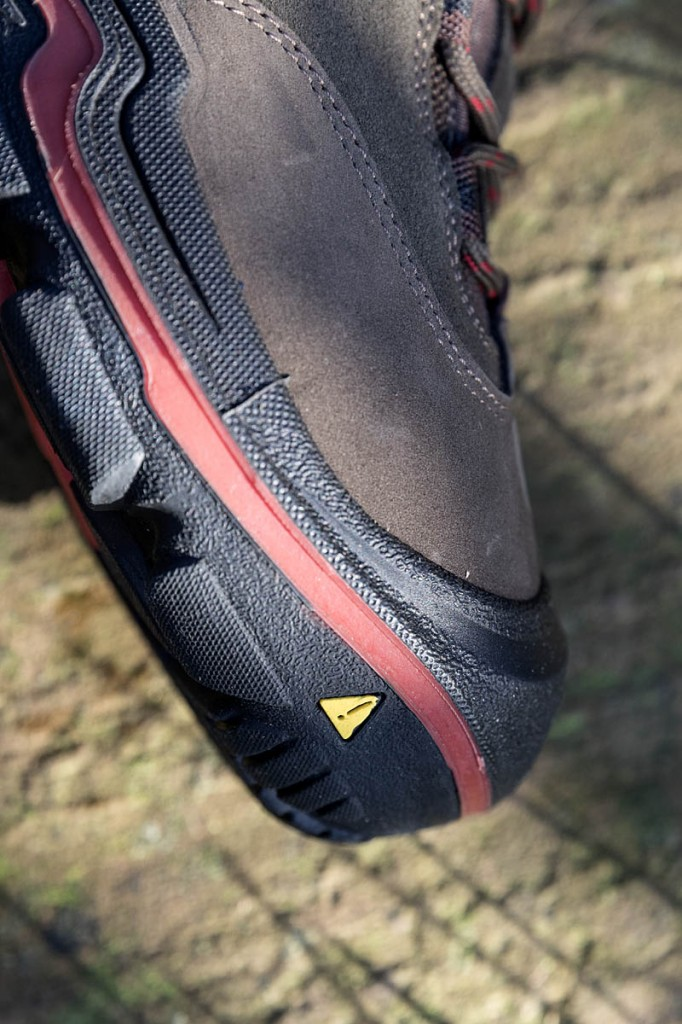 The midsole is moulded on to the upper