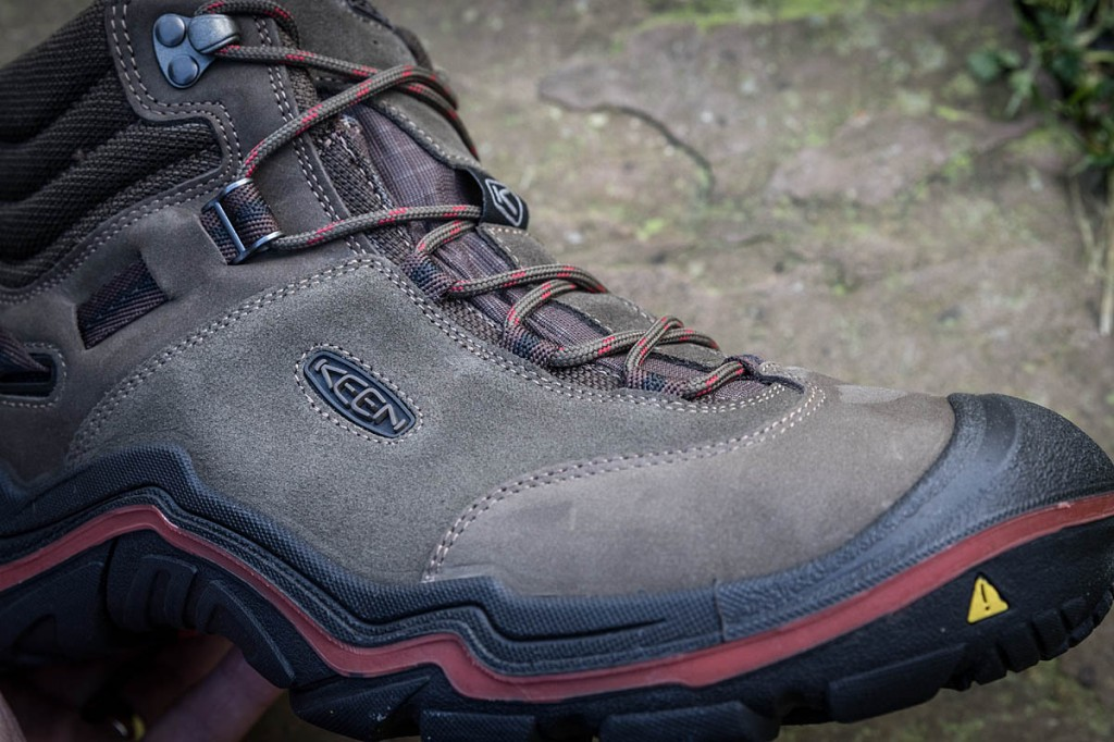 Lacing on the Keen Wanderer is simple