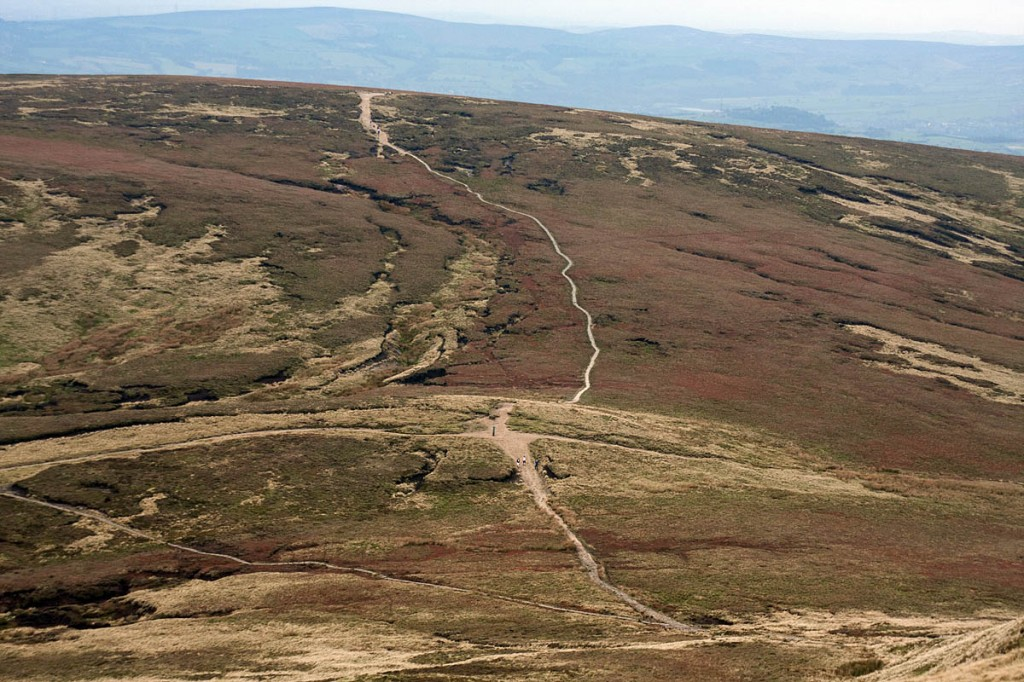 Information put the two walkers in the area of Kinder Corner and Ashop Head