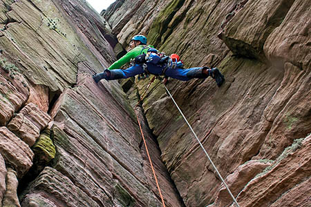 Leo Houlding leads a pitch on the Old Man. Photo: Dave Cuthbertson/Berghaus