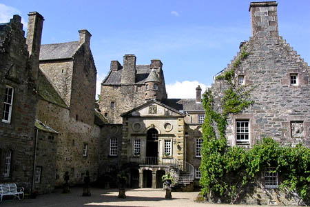 Murthly Castle, seat of the 14th Stewart Laird of Murthly. Photo: Russel Wills CC-BY-SA-2.0