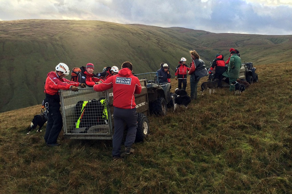 Rescuers and farmers at the site on Bampton Common. Photo: Penrith MRT