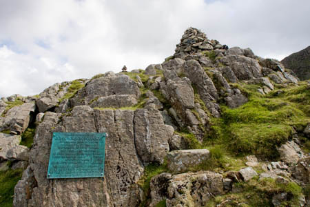 Robinson's Cairn and its plaque