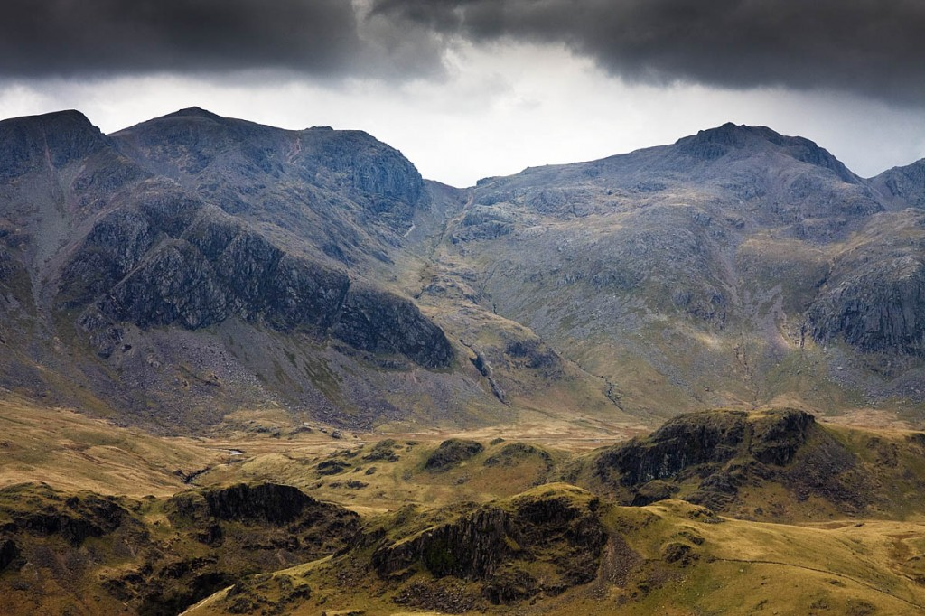 The runner helped the couple from Scafell Pike, right