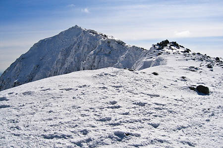 Snowdon's summit is still in full winter condition. Photo: Joihn S Turner CC-BY-SA-2.0