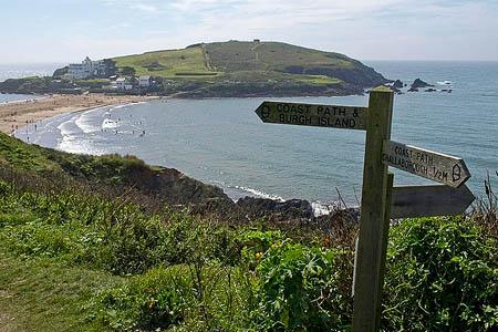 The South West Coast Path at Bigbury-on-Sea. Photo: Derek Harper CC-BY-SA-2.0