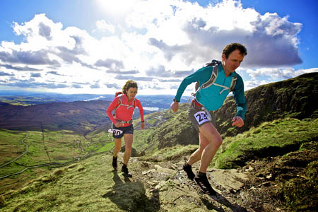 Steve Birkinshaw in training with fellow ultrarunner Helene Whitaker