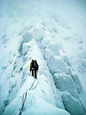 Tower Ridge in full winter conditions. Photo: Rozen CC-BY-SA-2.0