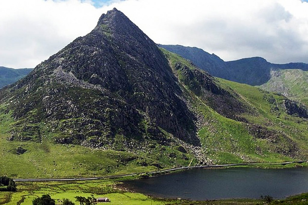 The man fell on the North Ridge of Tryfan. Photo: Terry Hughes CC-BY-SA-2.0