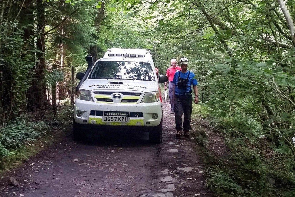 The injured jumper was placed in a team vehicle. Photo: Western Beacons MSRT