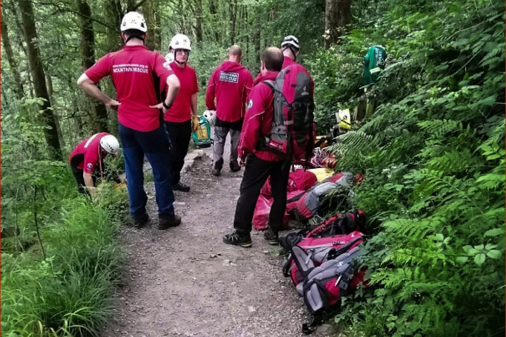 Mountain rescuers at the scene of the incident. Photo: Western Beacons MSRT